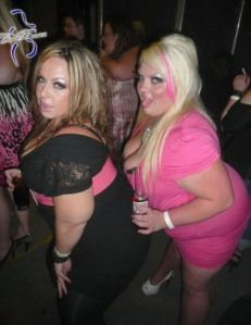 night_club_for_overweight_01